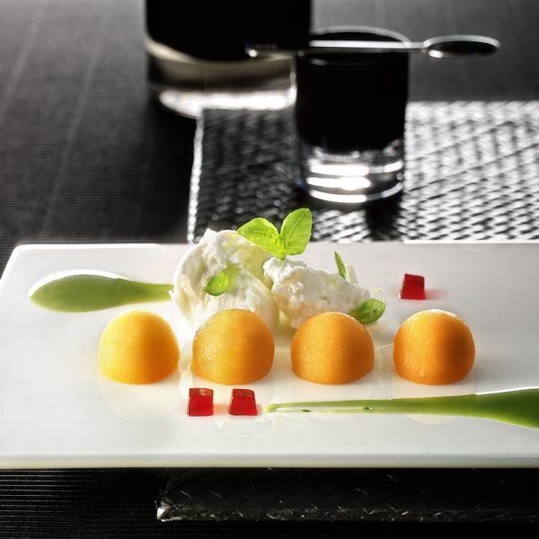 melone mozzarella al profumo di basilico