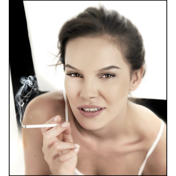 donna, sigaretta, ritratto